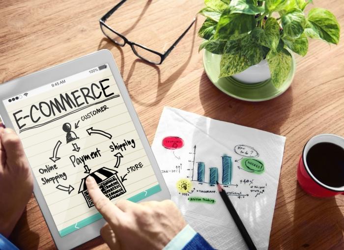 เริ่มต้นธุรกิจอีคอมเมิร์ซ อย่างไร Brand.com หรือ Marketplaceดี!